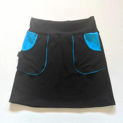 pohodlná trendy sukňa z merino vlny s vreckami