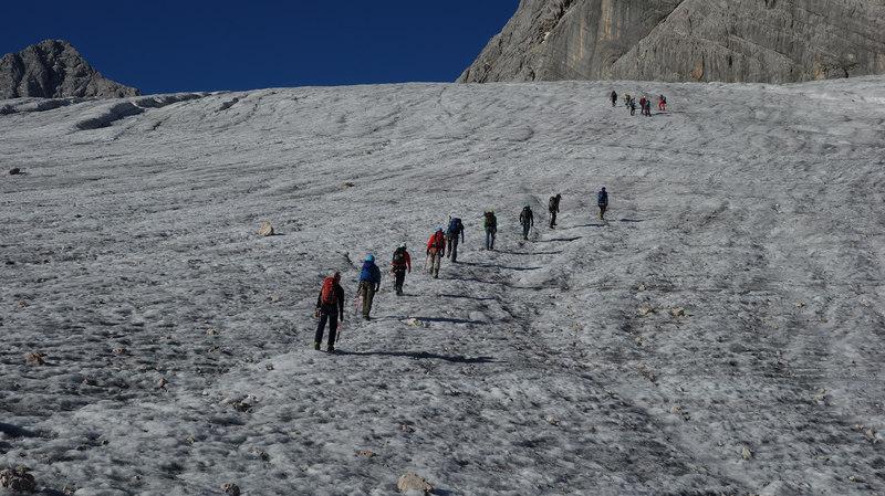 výstup po ľadovci na dachstein