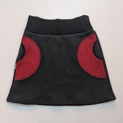 Dámska teplá sukňa s vreckami