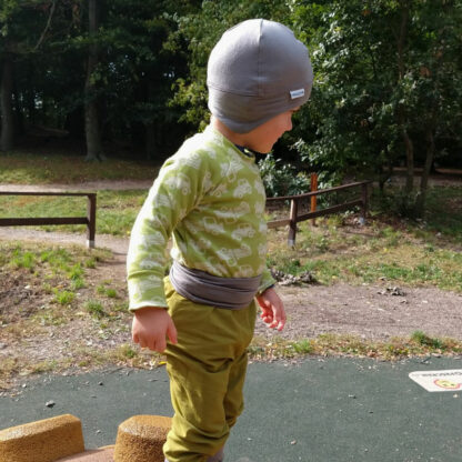 Detské tričko z merina Heľpa - autíčka na limetkovej zelenej - z boku