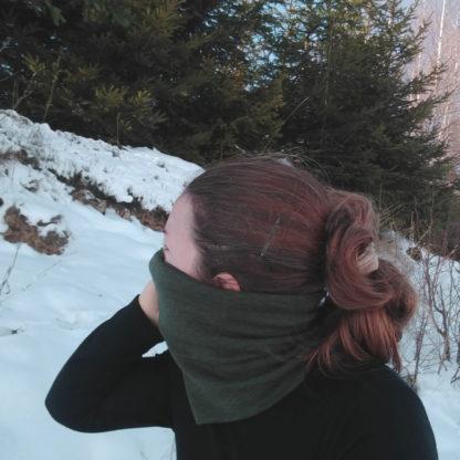 Merino nákrčník Okruhliak tmavoolivový melír