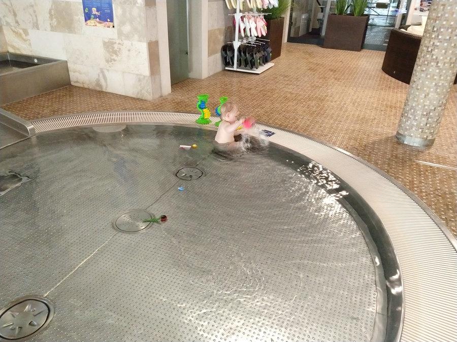vrátna hanuliak detský bazén